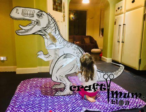 Build & paint a giant dinosaur kit